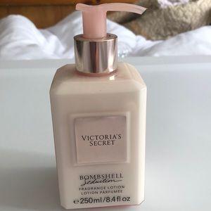 Victoria's Secret Bombshell Seduction Lotion